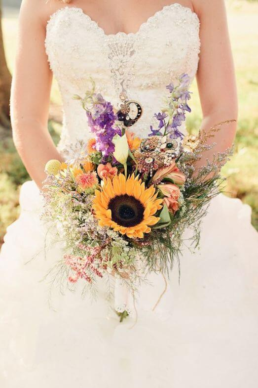 A simple bouquet of reeds and sunflowers