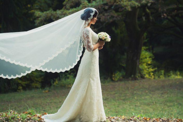 Long lace wedding dress long veil
