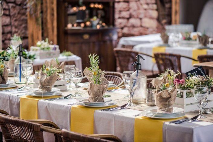 Seating arrangements outside wedding