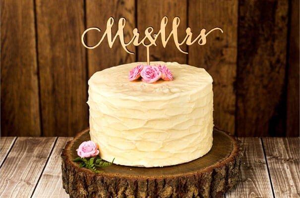 Small one layer wedding cake