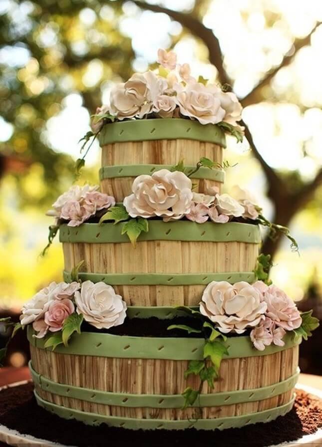 Wedding cake from empty barrel