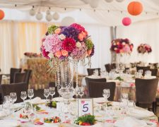 Wedding table underlines the atmosphere of the wedding day