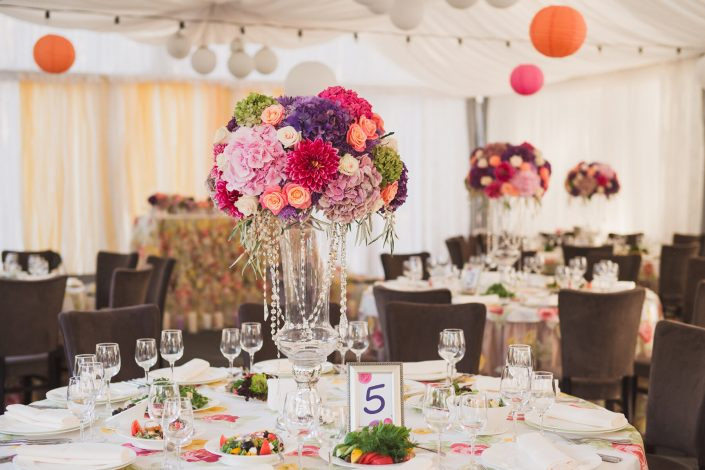 Wedding-table-with-decorations